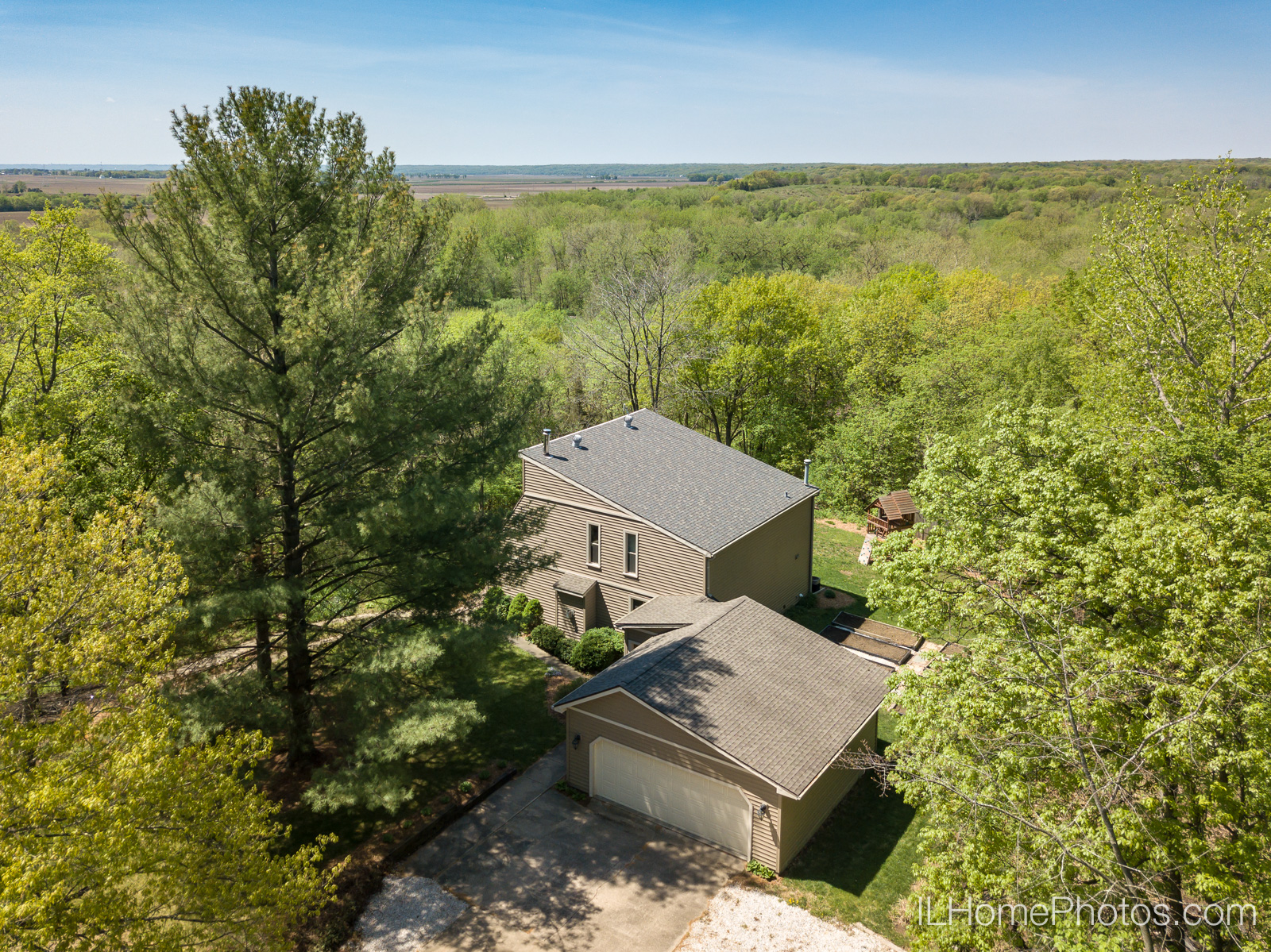Exterior drone home photograph for real estate in Chillicothe, IL :: Illinois Home Photography by Michael Gowin, Lincoln, IL