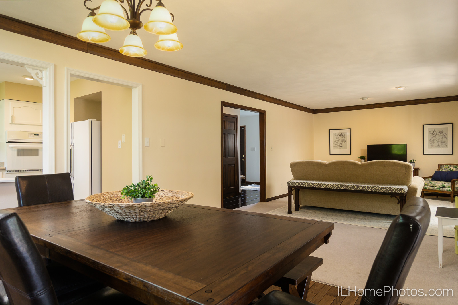 Interior dining room and living room photograph for real estate in Chillicothe, IL :: Illinois Home Photography by Michael Gowin, Lincoln, IL