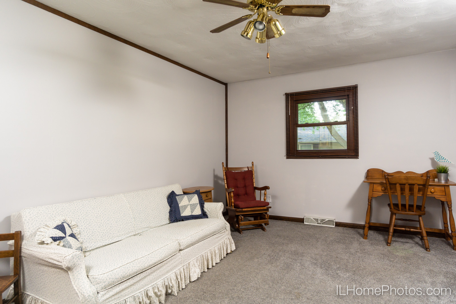 Interior bedroom photograph for real estate in Sherman, IL :: Illinois Home Photography by Michael Gowin, Lincoln, IL