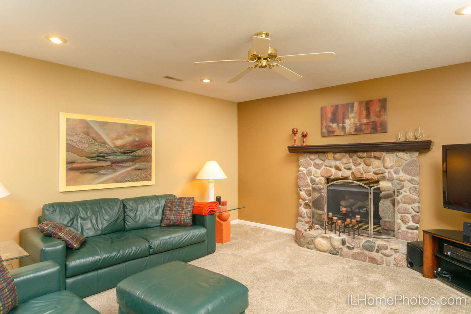 Interior family room photograph for real estate in Mt Zion, IL :: Illinois Home Photography by Michael Gowin, Lincoln, IL