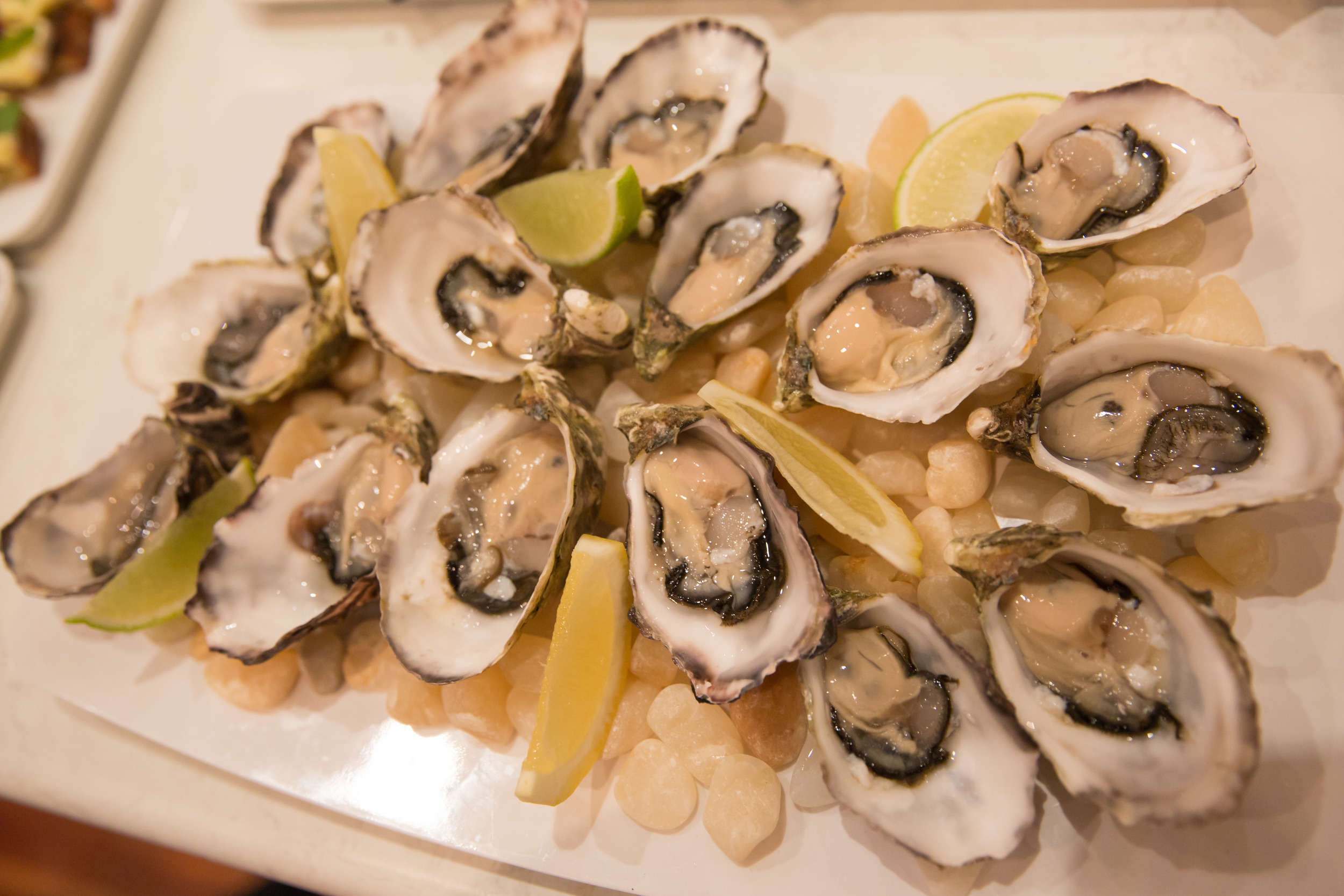 Oysters and Champagne is sosimple but yet one of the most popular combinations to impress your clients