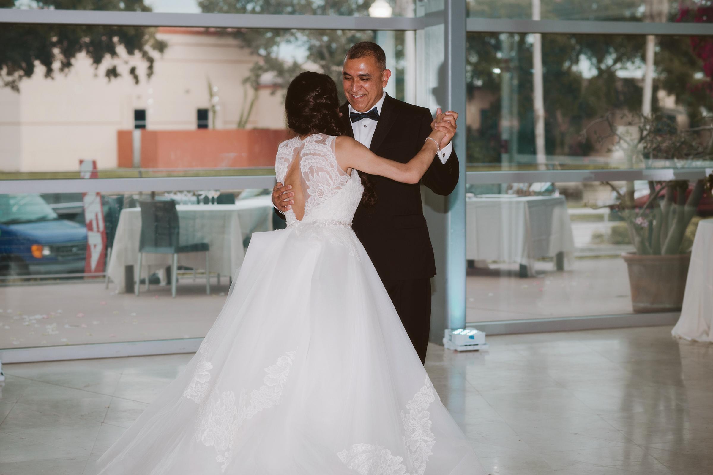 wedding day | MFA St Pete | Vanessa Boy Photography | vanessaboy.com-554.com |final.jpg