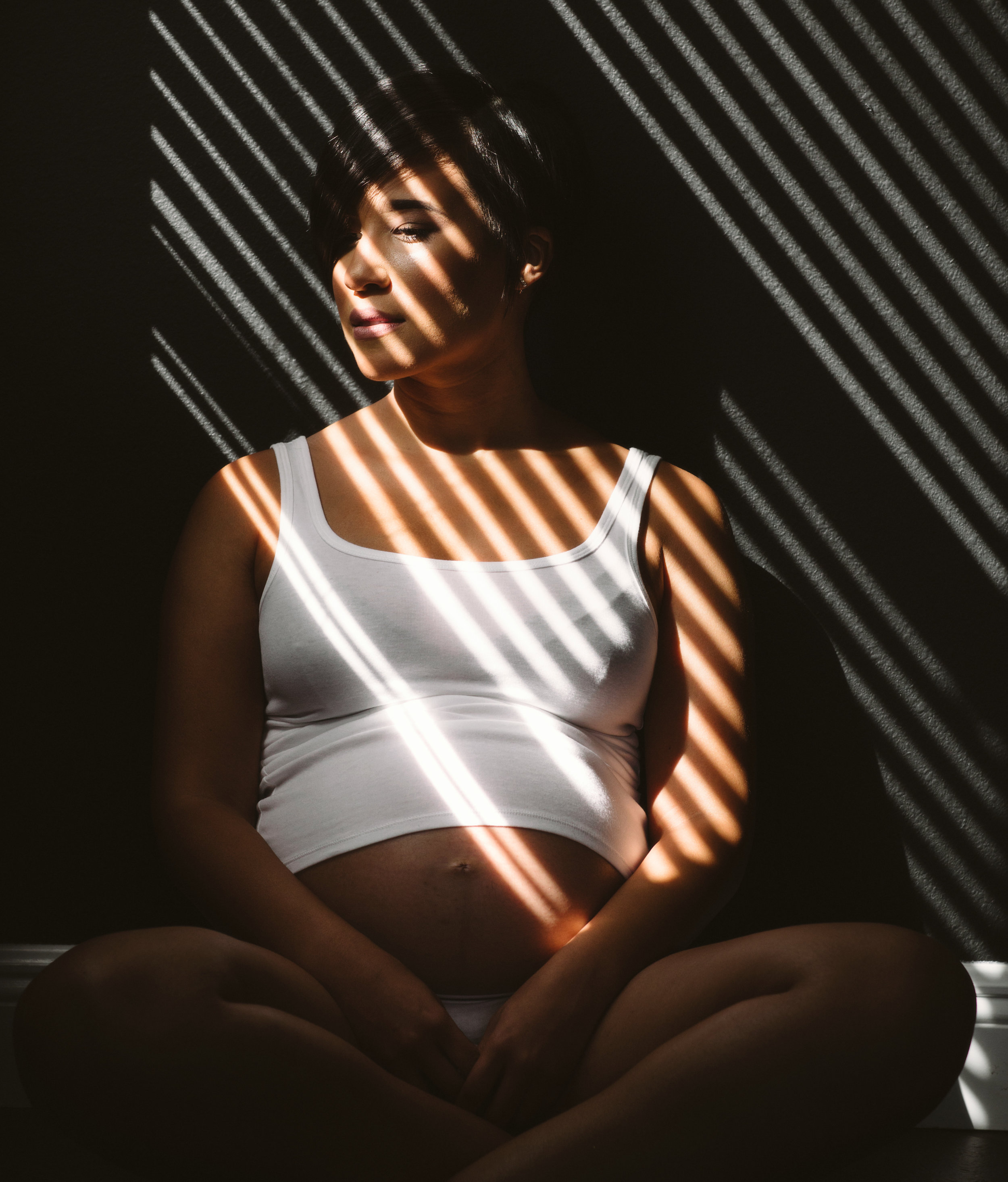 Indoor Lifestlye Maternity Session | Vanessa Boy | Vanessaboy.com |orlando,fl-300.com |final.jpg