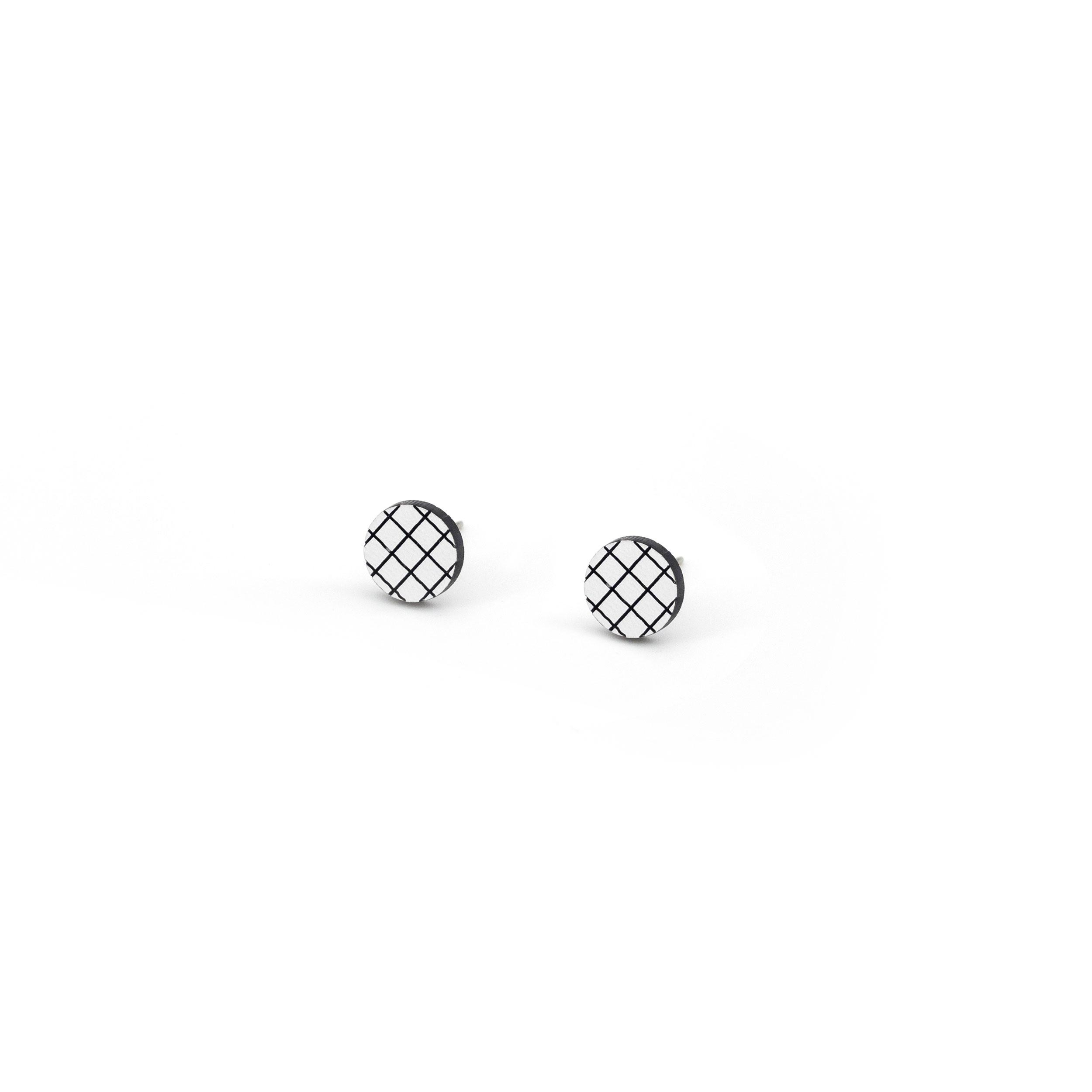 1_GridStud_White.jpg