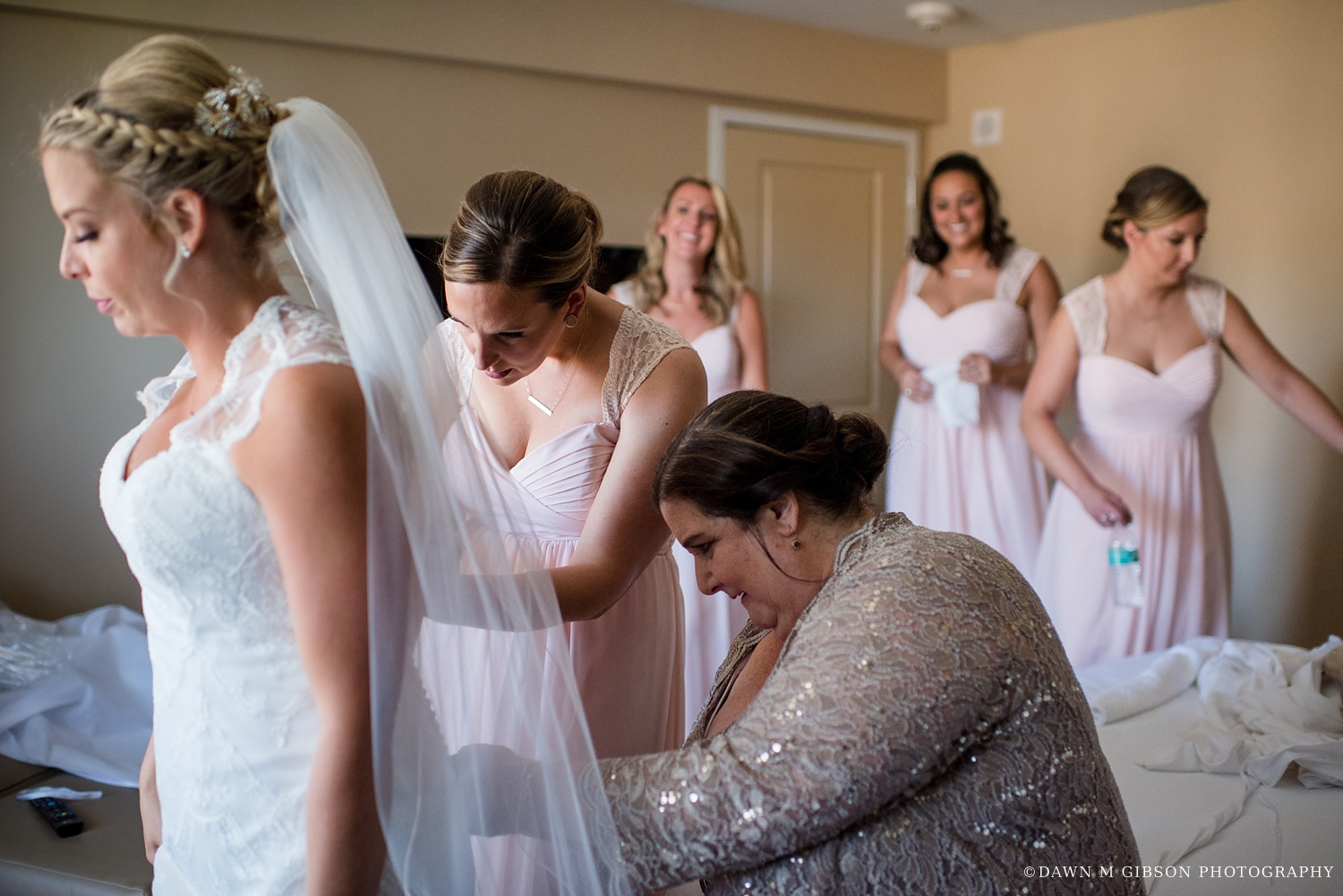 buffalo_wny_rochester_wedding_photographer_dawnmgibsonphotography_strathallan_colgate_rochester_divinity_rochester_wedding_venues_0007.jpg