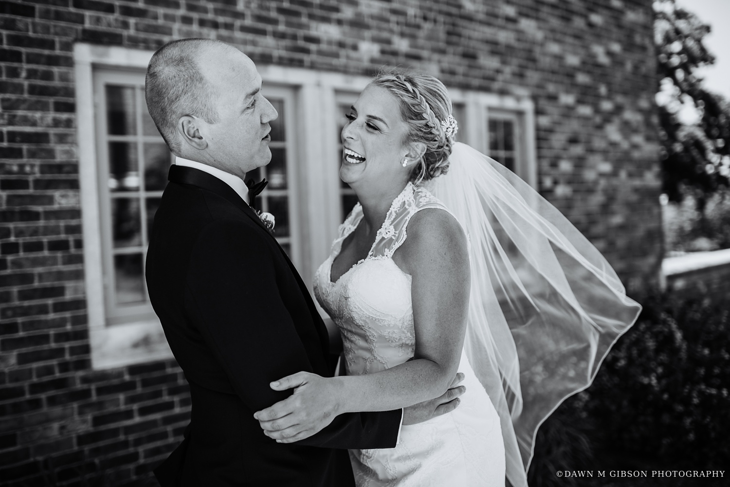 buffalo_wny_rochester_wedding_photographer_dawnmgibsonphotography_strathallan_colgate_rochester_divinity_rochester_wedding_venues_0017.jpg