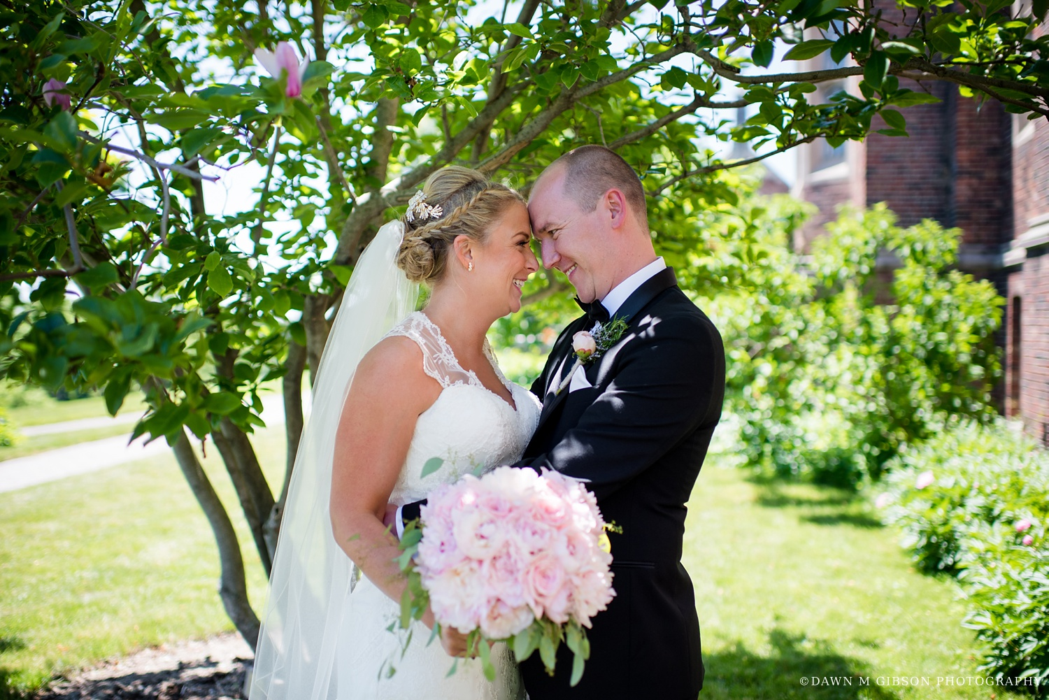 buffalo_wny_rochester_wedding_photographer_dawnmgibsonphotography_strathallan_colgate_rochester_divinity_rochester_wedding_venues_0018.jpg