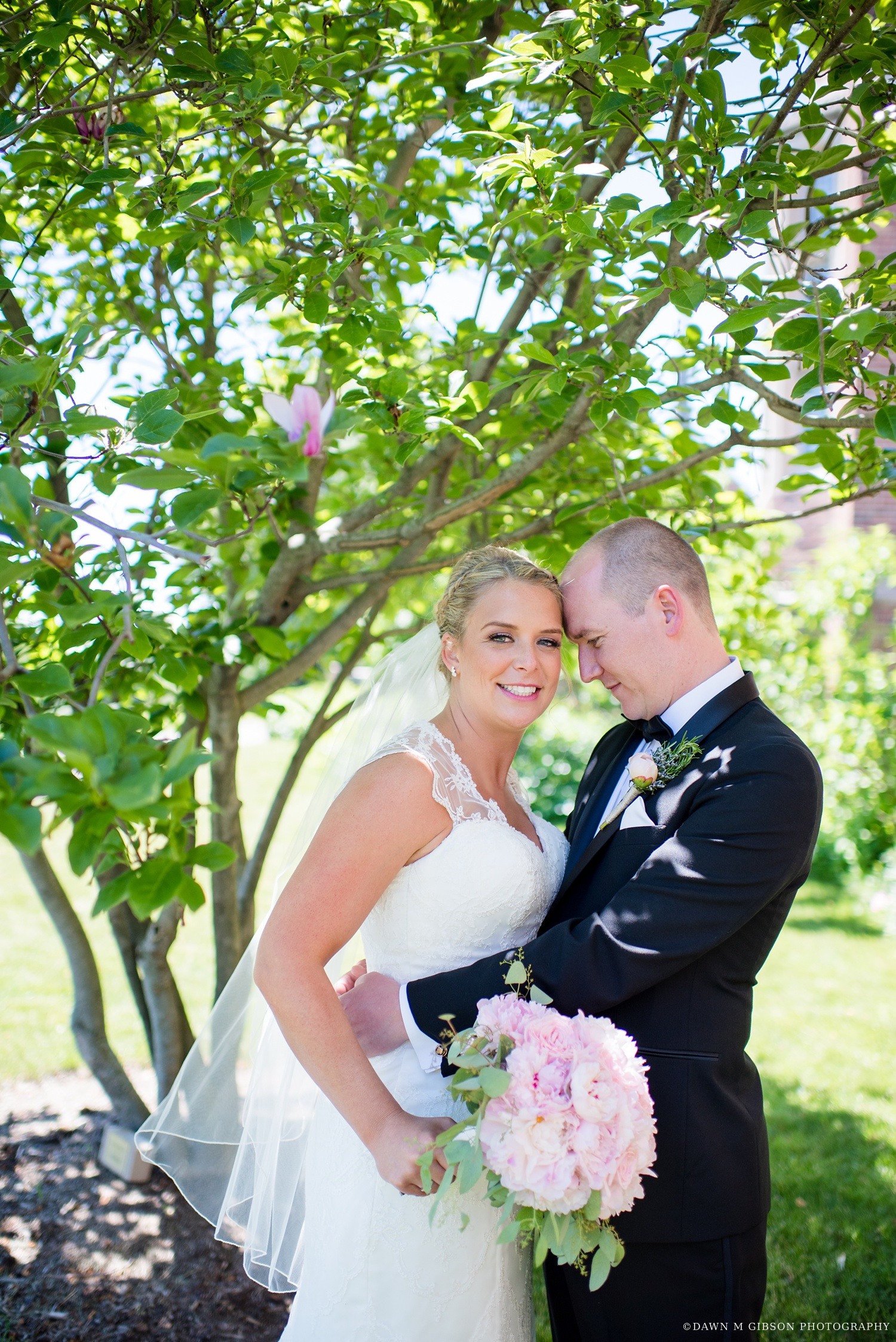 buffalo_wny_rochester_wedding_photographer_dawnmgibsonphotography_strathallan_colgate_rochester_divinity_rochester_wedding_venues_0019.jpg