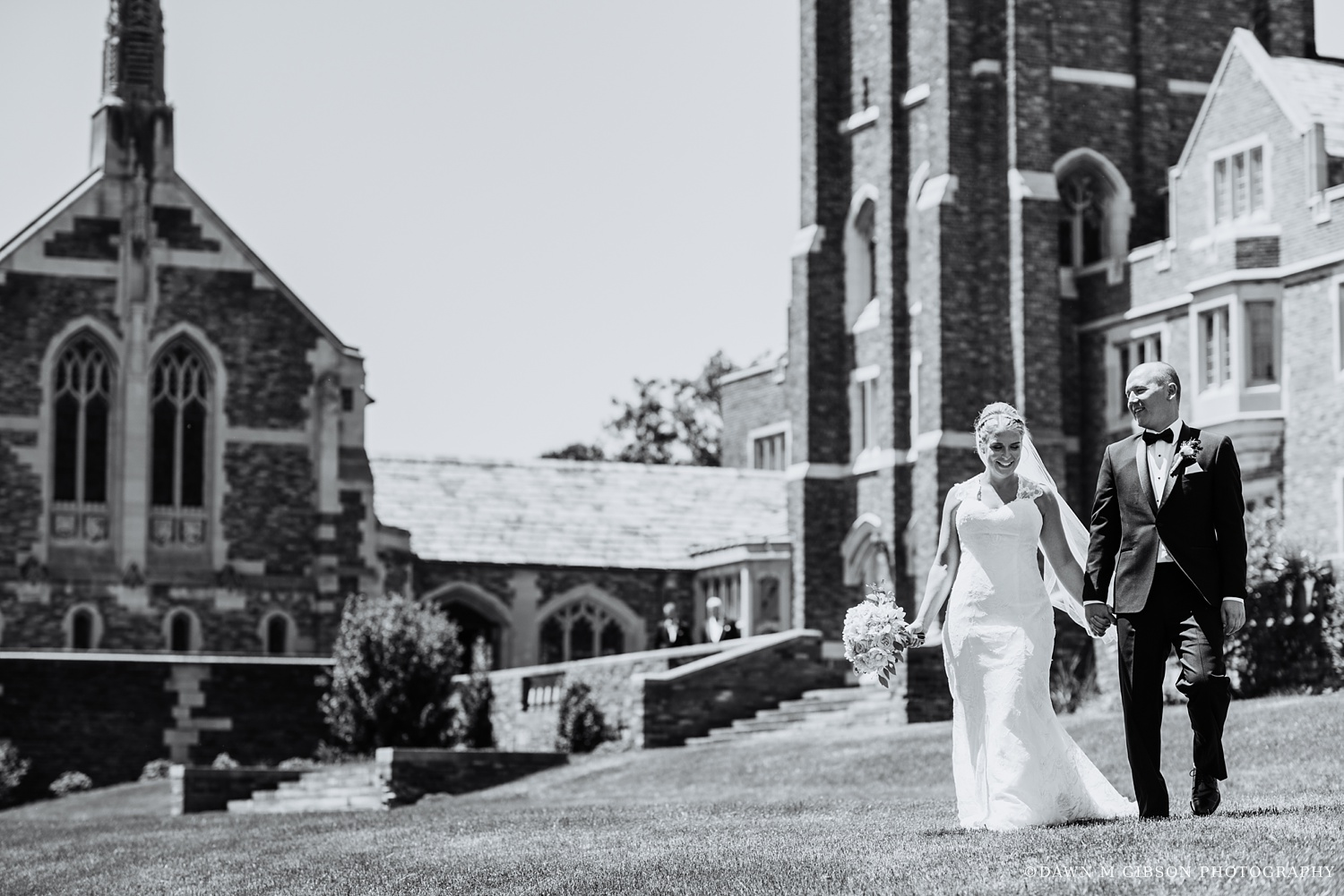 buffalo_wny_rochester_wedding_photographer_dawnmgibsonphotography_strathallan_colgate_rochester_divinity_rochester_wedding_venues_0022.jpg