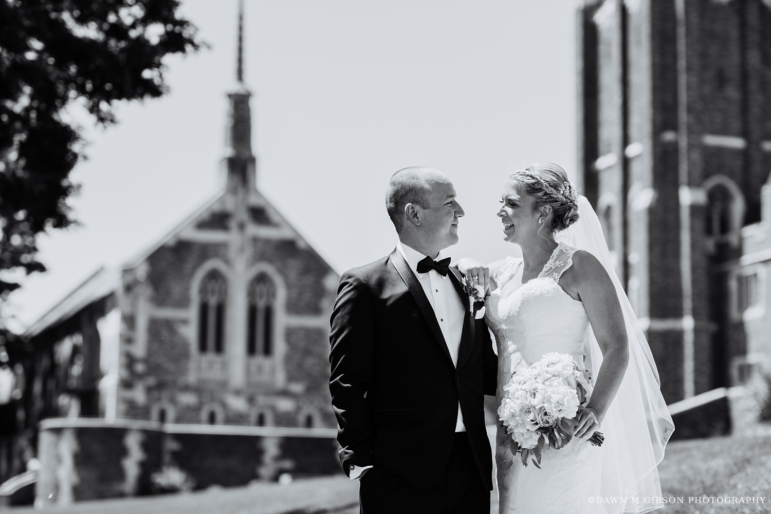 buffalo_wny_rochester_wedding_photographer_dawnmgibsonphotography_strathallan_colgate_rochester_divinity_rochester_wedding_venues_0023.jpg