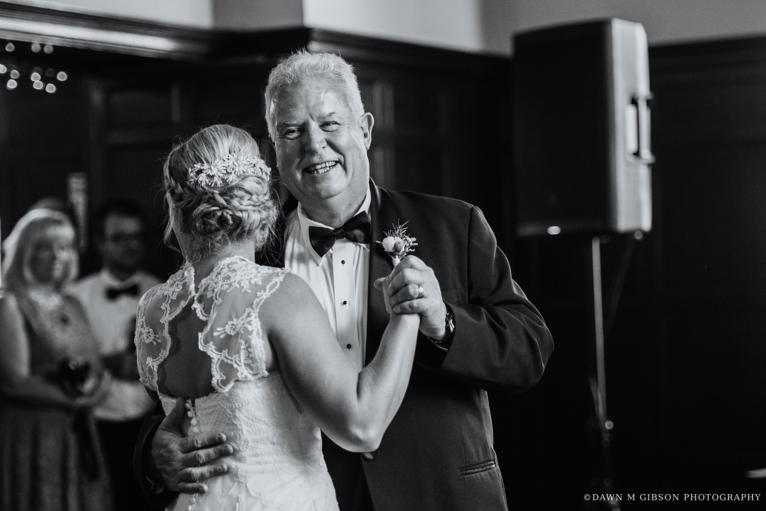 buffalo_wny_rochester_wedding_photographer_dawnmgibsonphotography_strathallan_colgate_rochester_divinity_rochester_wedding_venues_0080.jpg
