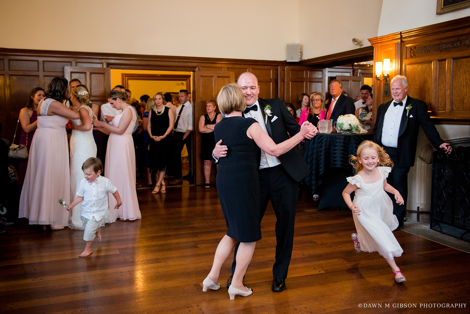 buffalo_wny_rochester_wedding_photographer_dawnmgibsonphotography_strathallan_colgate_rochester_divinity_rochester_wedding_venues_0086.jpg
