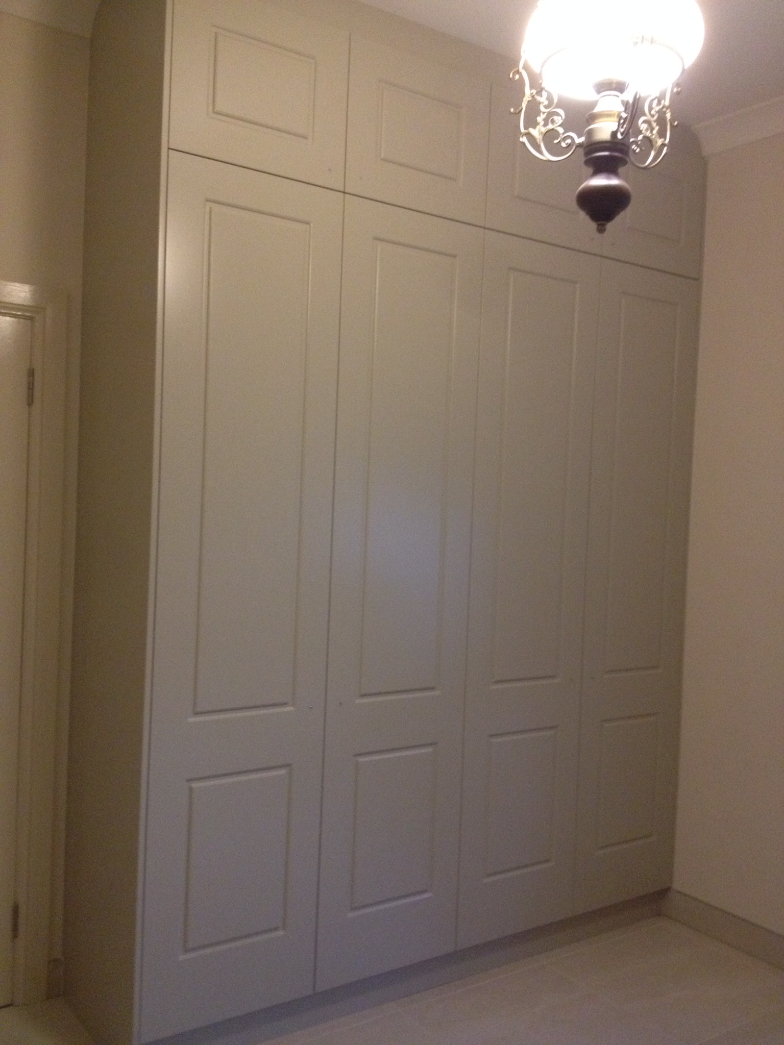 push to open hinged doors with pattern.JPG