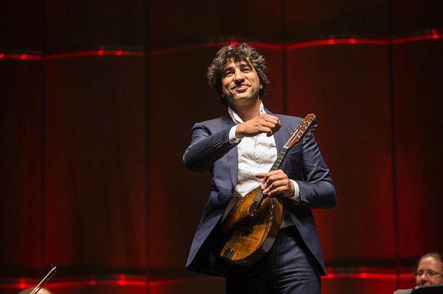 Captions please ! . . 📷 @enrico.fantoni 📍 @teatrocoliseo Buenos Aires 🇦🇷 #aboutlastnight #southamericatour #mandolin #classicalmusic