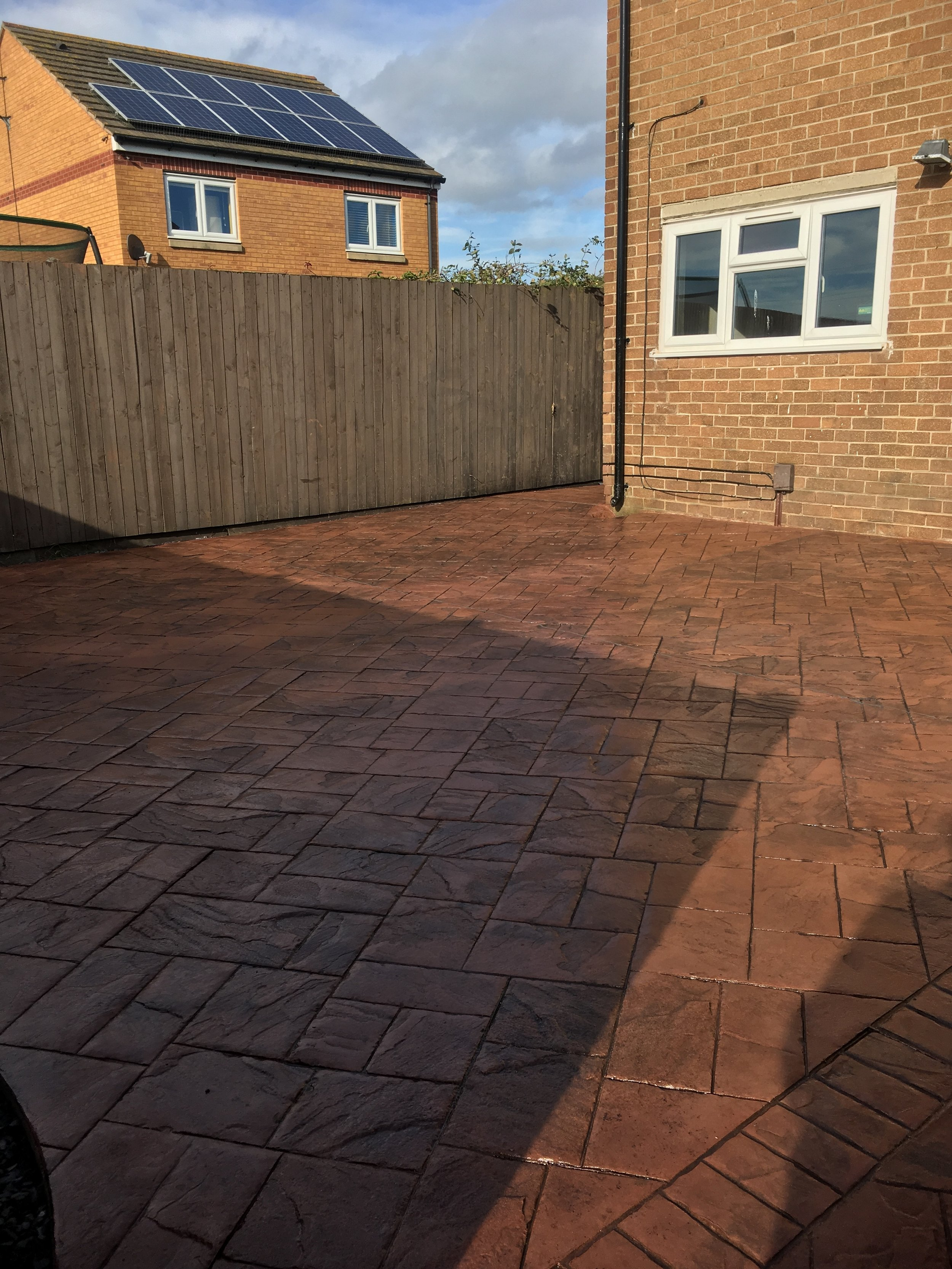 Imprinted concrete patio (Moreton)