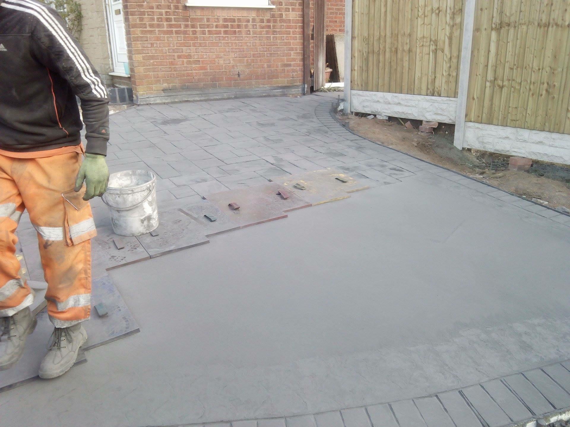 Stamping concrete driveways