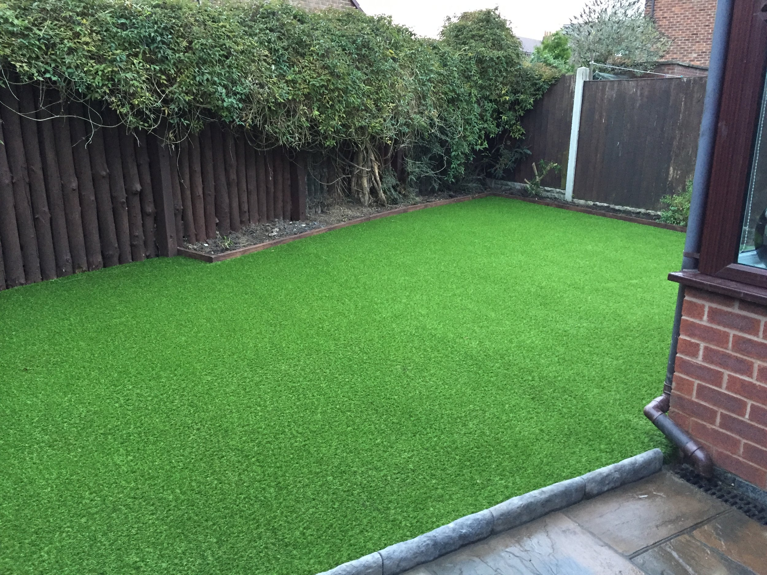 Artificial turf/fake grass