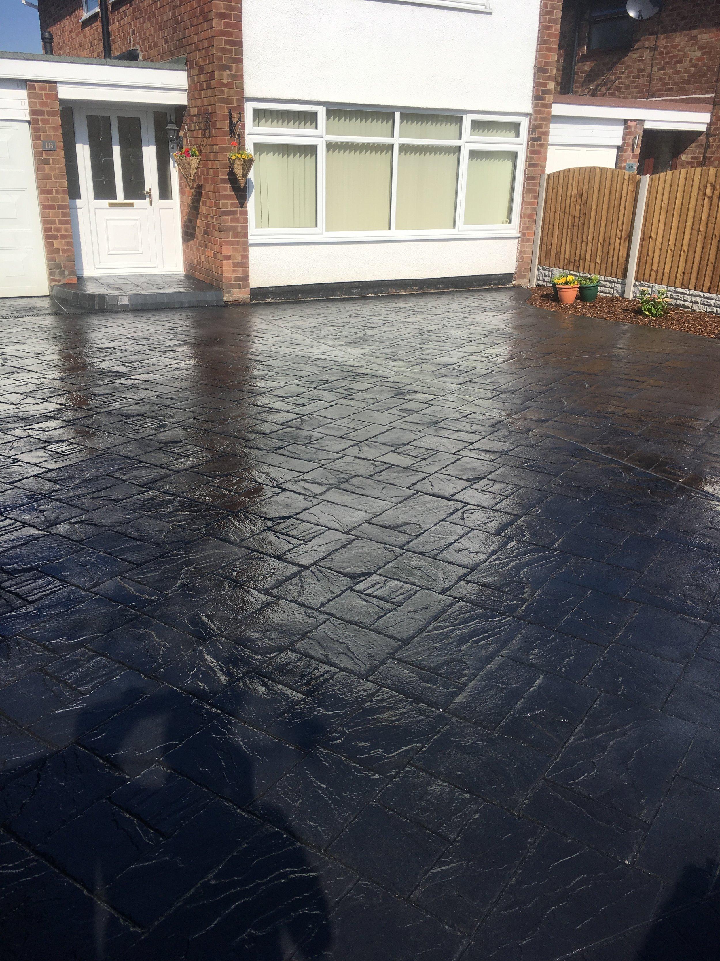 Pressed concrete driveway (Bromborough)