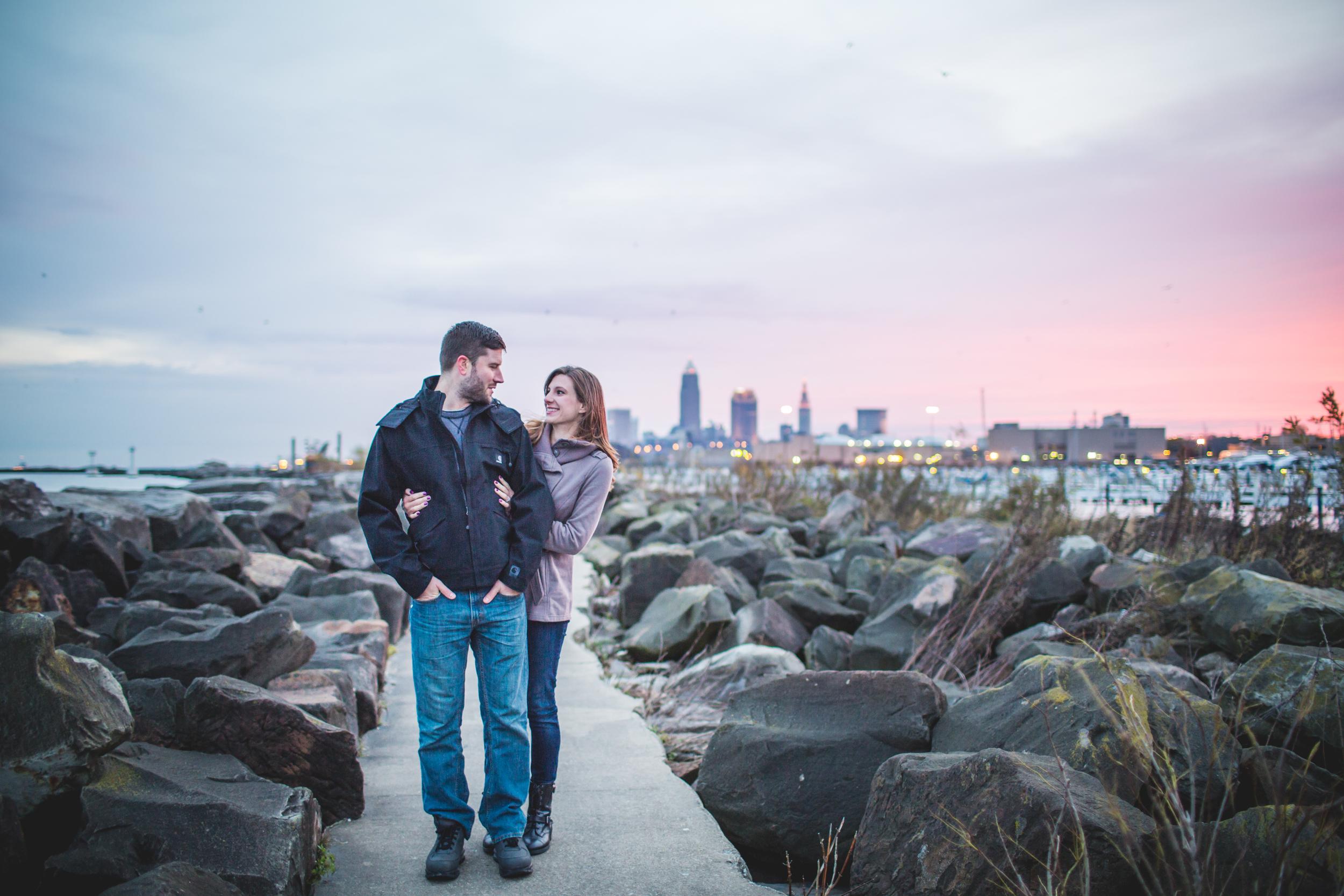 Cleveland engagement photographer | Edgewater park