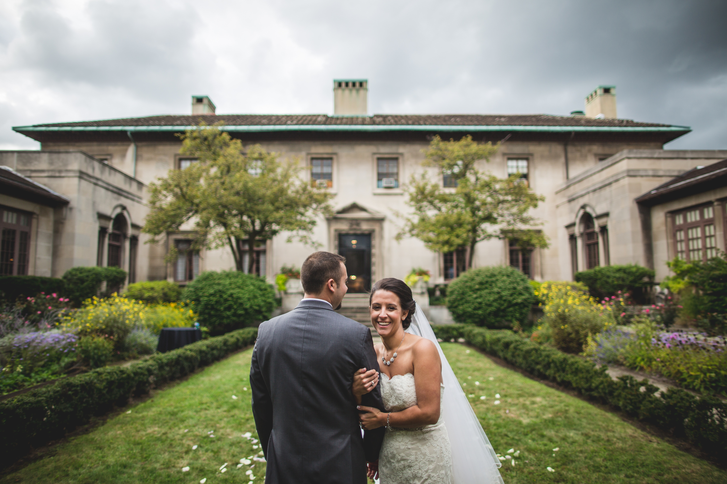 Cleveland Wedding Photographer | Wedding at wester reserve historical society