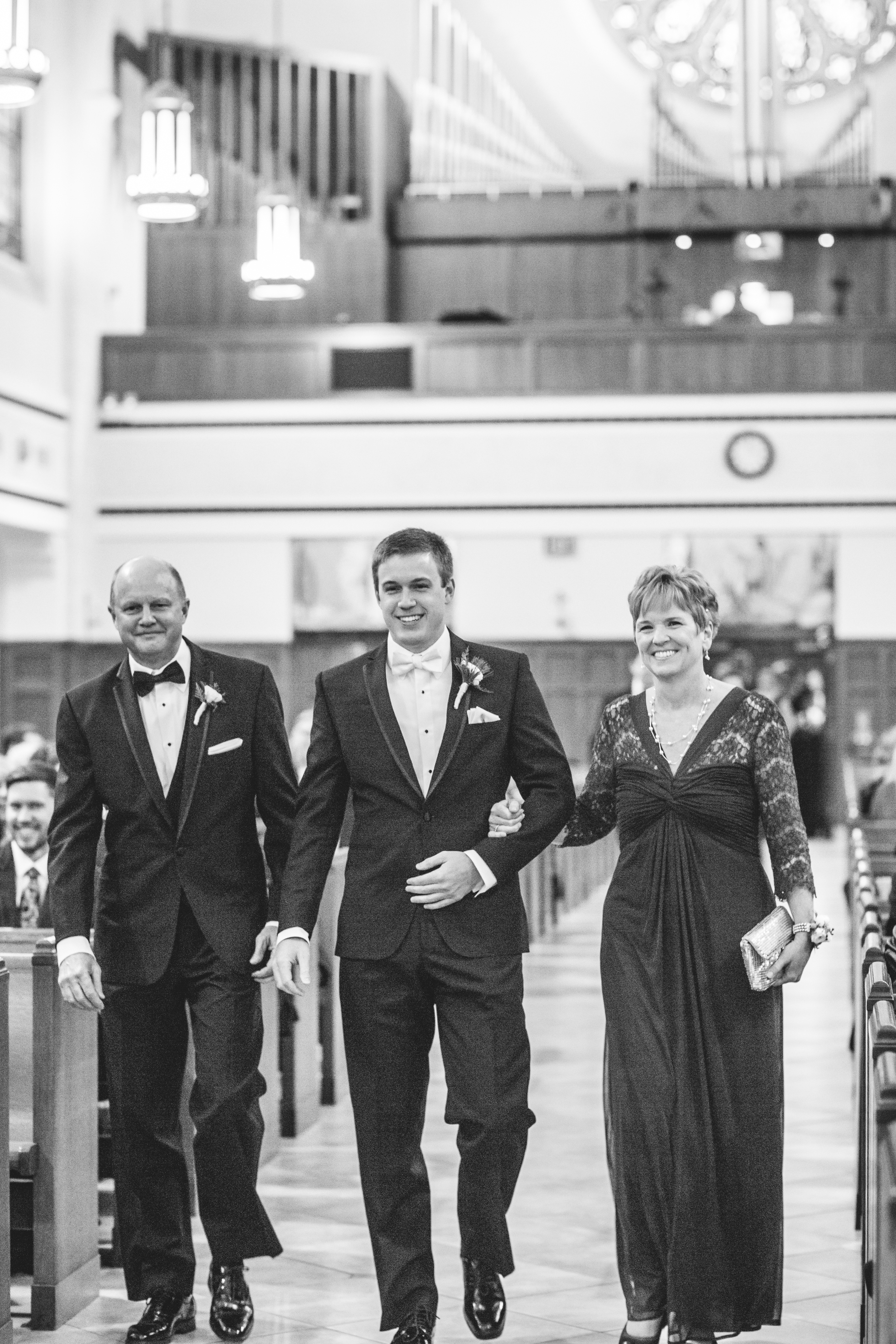 Janelle and Mike wedding at toms country place in cleveland ohio