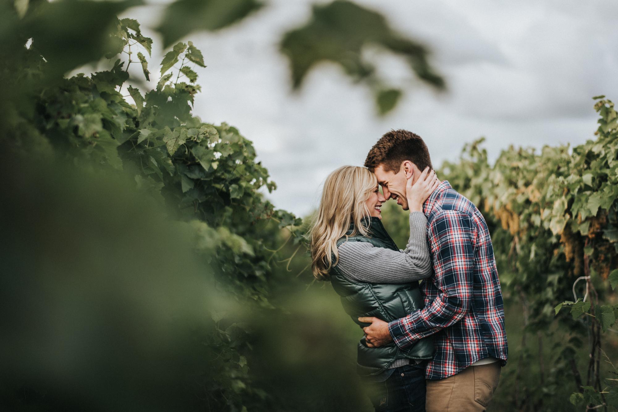ferrante winery engagement photos geneva ohio