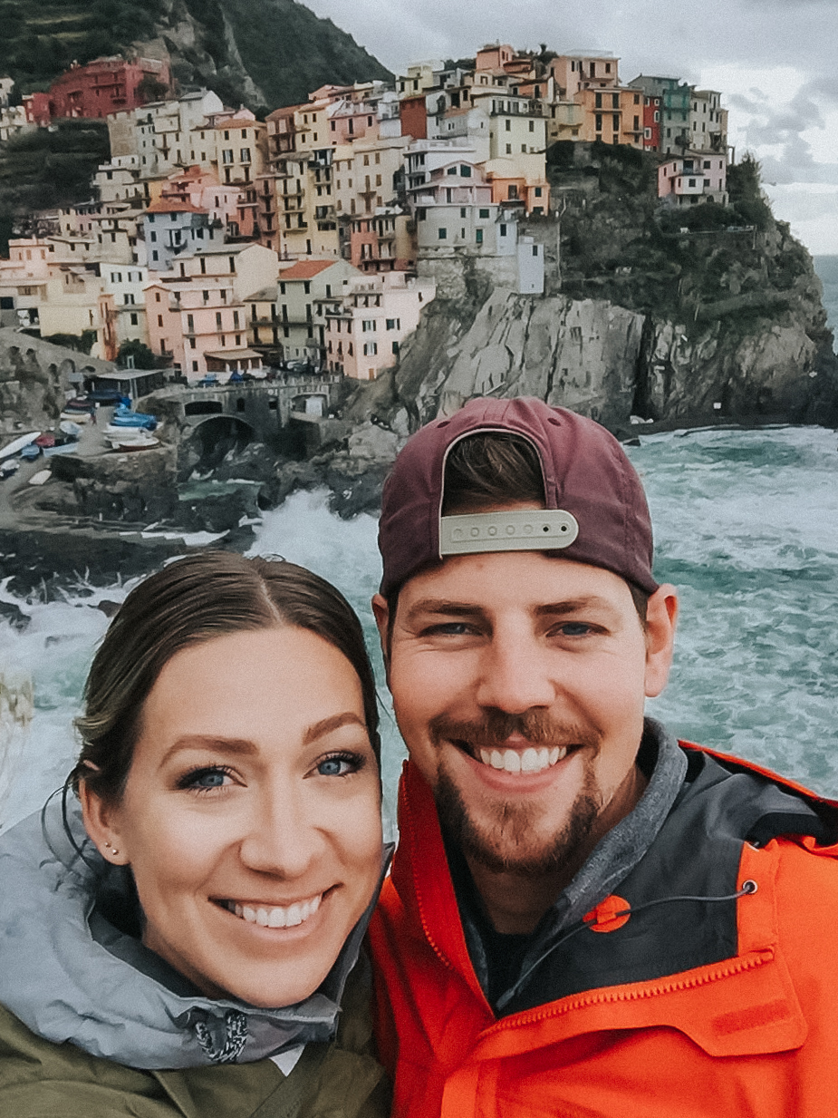 travel bloggers nick plus danée backpack through Cinque Terra and Manarola Italy