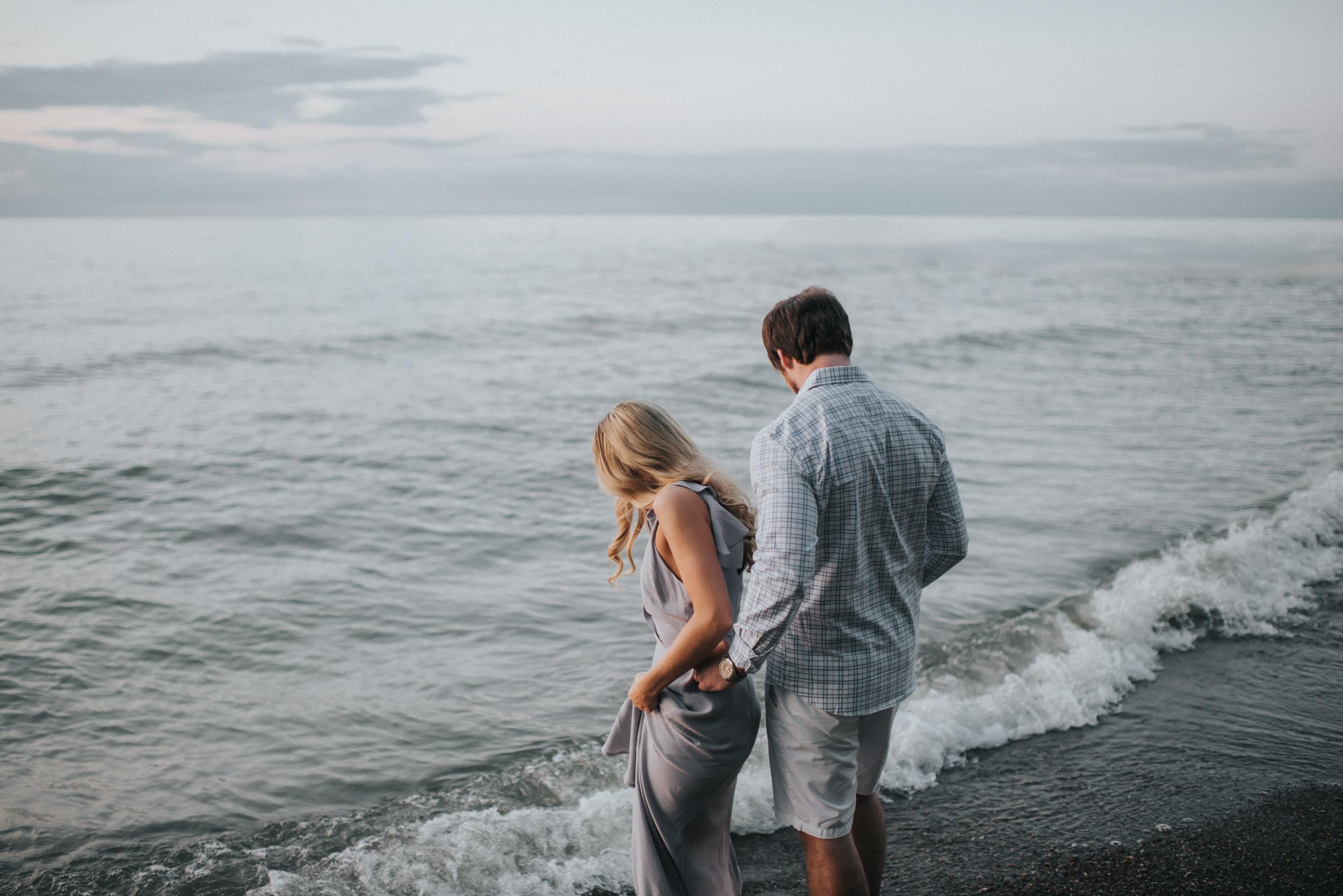 Engagement at Huntington Beach in Bay Village OH | Marissa & Brian