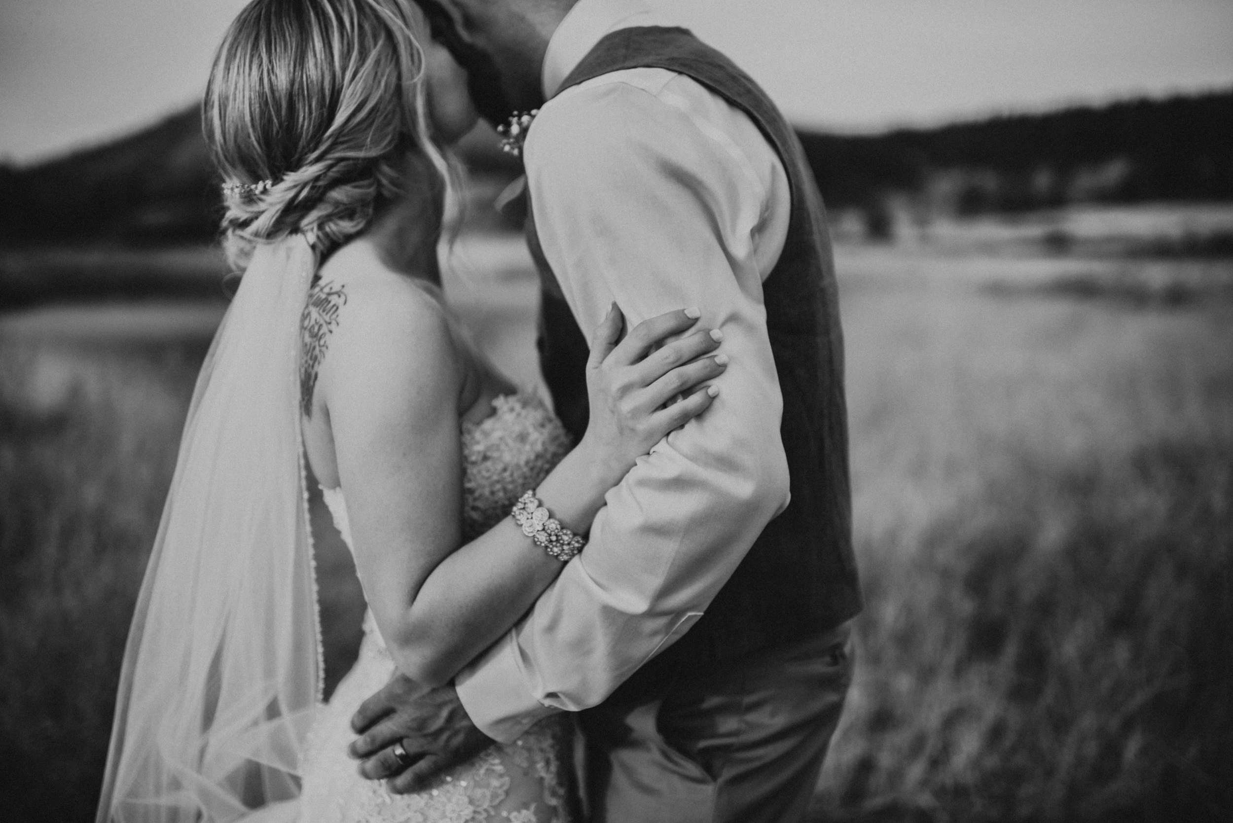 Wedding at The Cattle Barn in Cle Elum Washington | Megan & Ronny