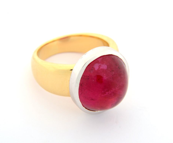 Pink oval tourmaline cabachon ring