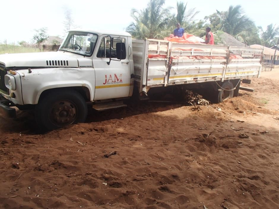 Once again the old Nema landcruiser to the rescue.