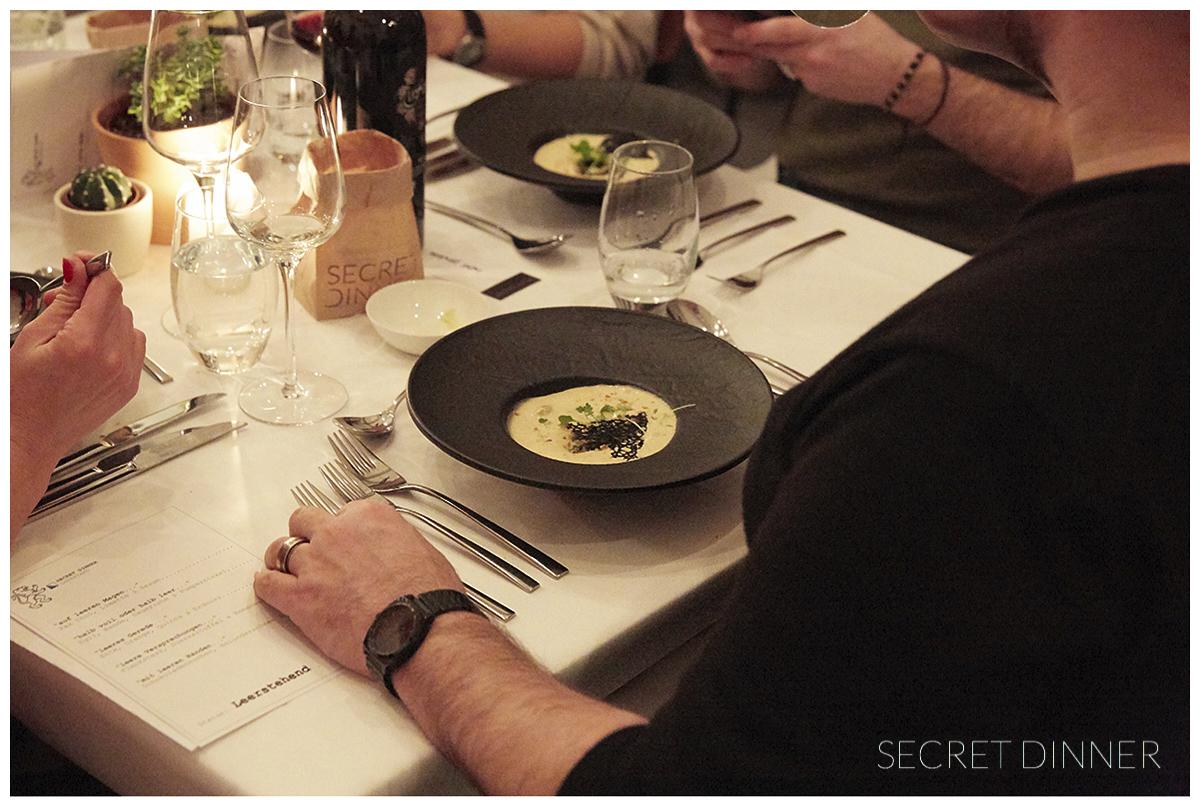 _K6A7454_Secret_Dinner_Leerstand_Schrift_149.jpg