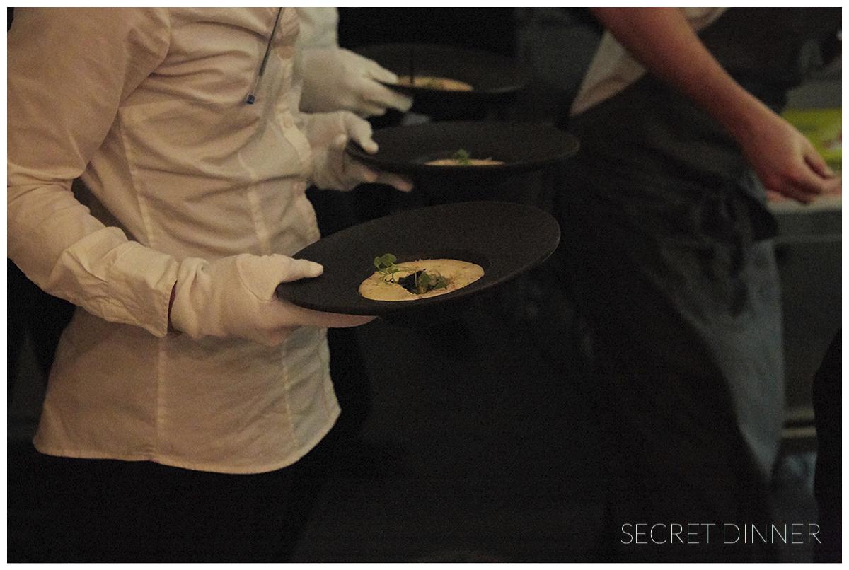_K6A7455_Secret_Dinner_Leerstand_Schrift_150.jpg