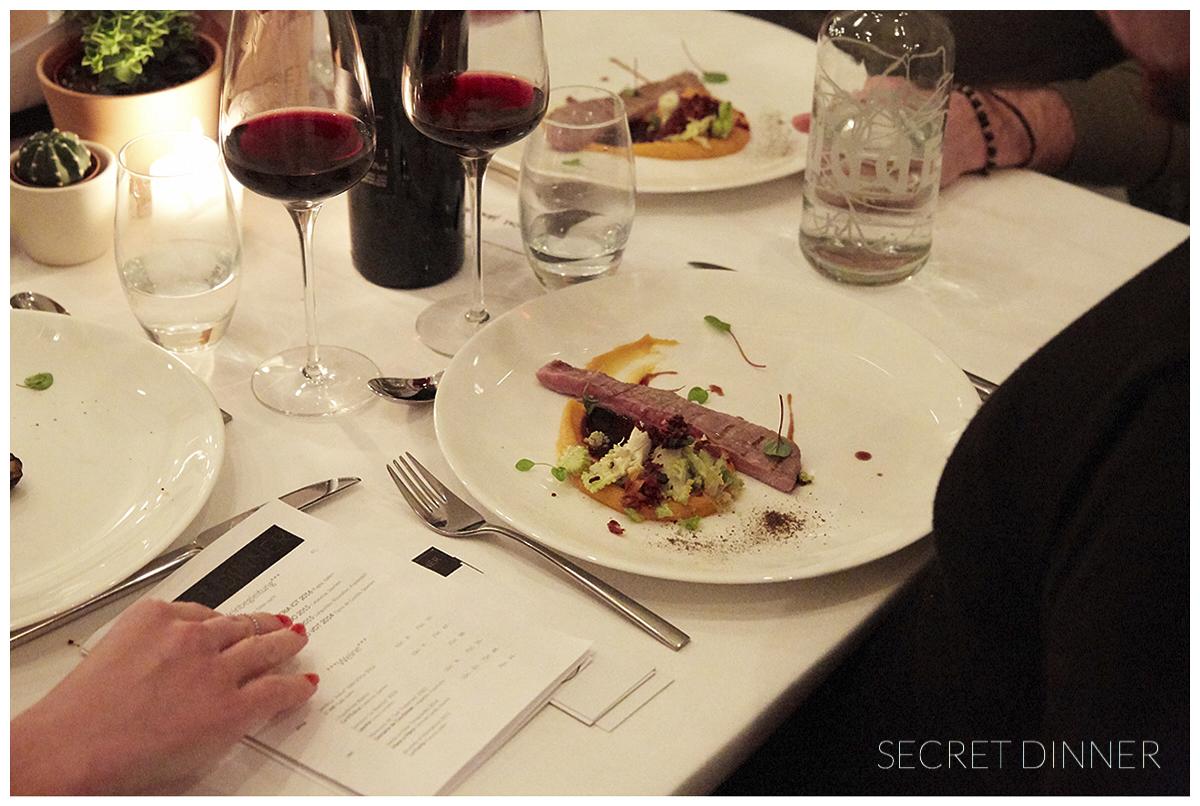 _K6A7695_Secret_Dinner_Leerstand_Schrift_180.jpg