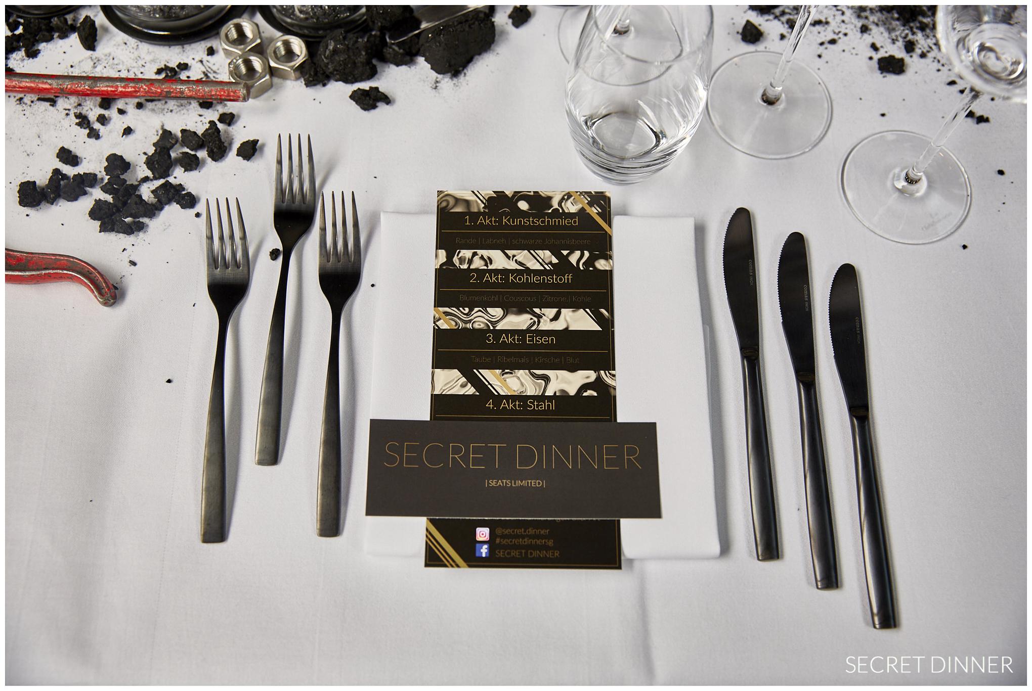 Secret Dinner Stahl und Schweiss_Rahmen und Schrift_8.jpg