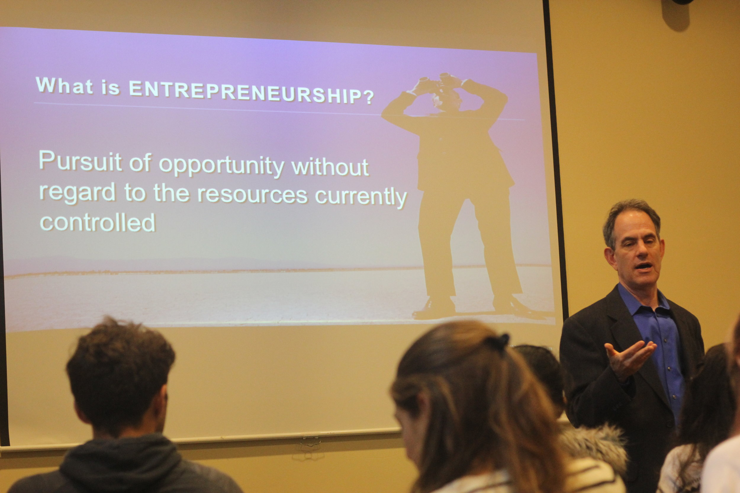 Danny Warshay speaking to dojees about entrepreneurship
