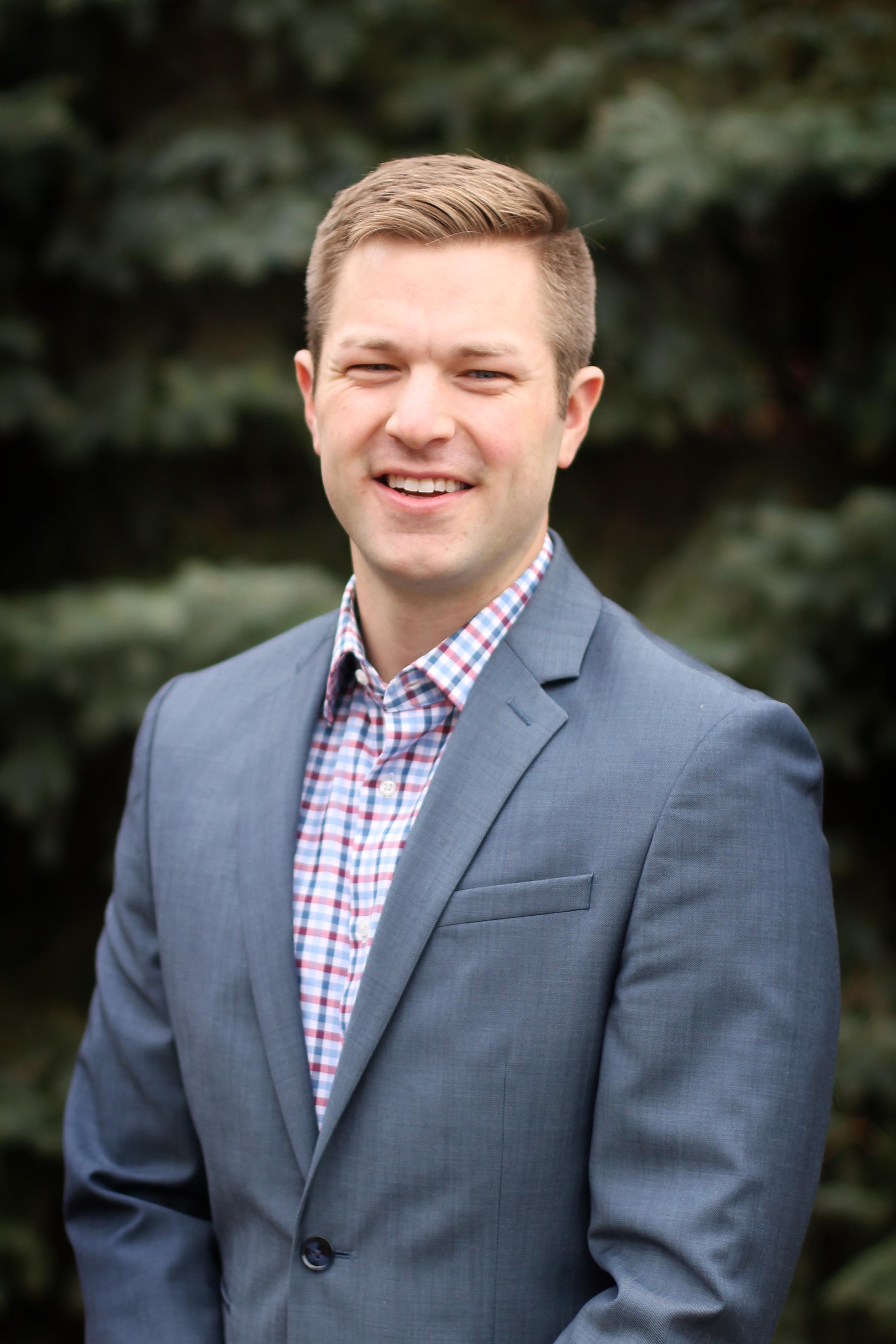 DANIEL JOHNSON - Client Relationship Advisor
