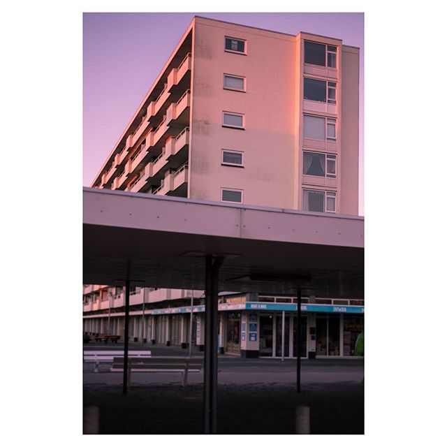 #seasidetown #sunrise #winter #pink #buildings #rundown #architecture #concretejungle #zandvoort