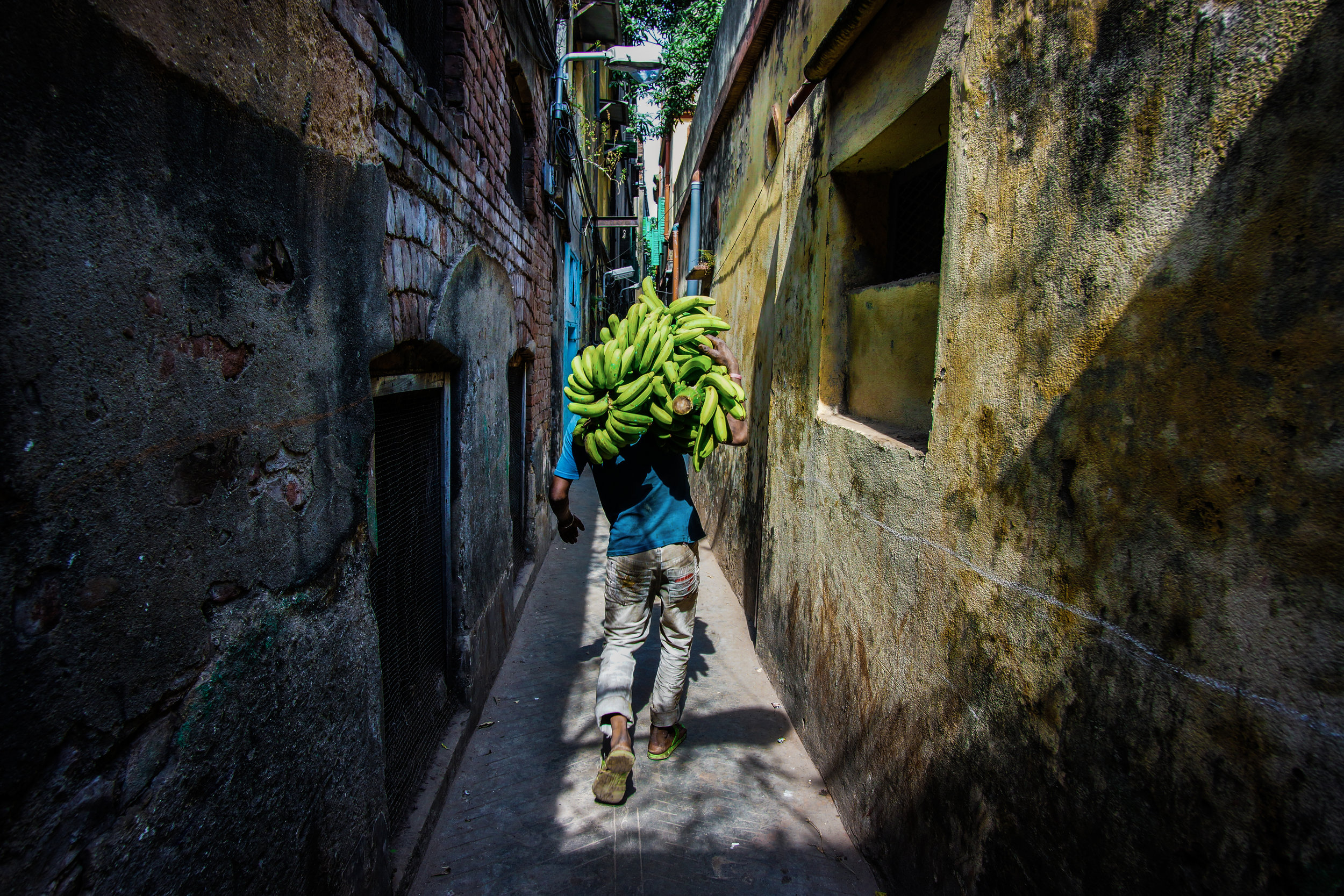 Suvomoy Nandy   Narrow lanes of Calcutta