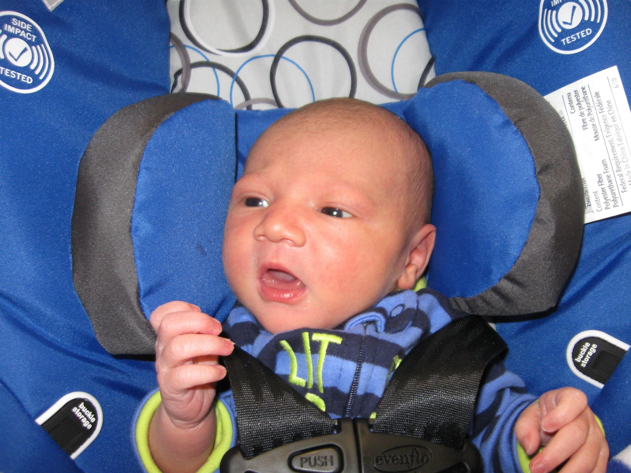 9917 - baby August.jpg