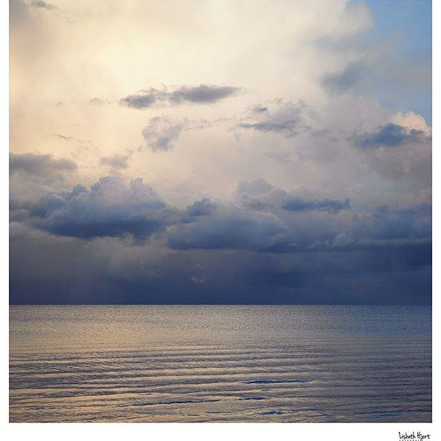 #365piecesoflife #www.lisbethhjort.dk #passionforphotography #photographerbyheart #magic #sunset #magiclightning