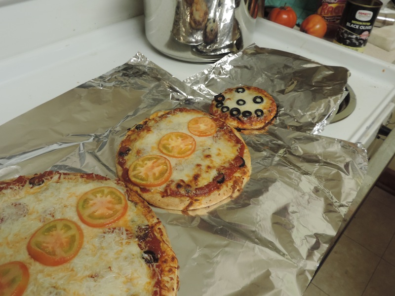 2013 snowman pizza.JPG