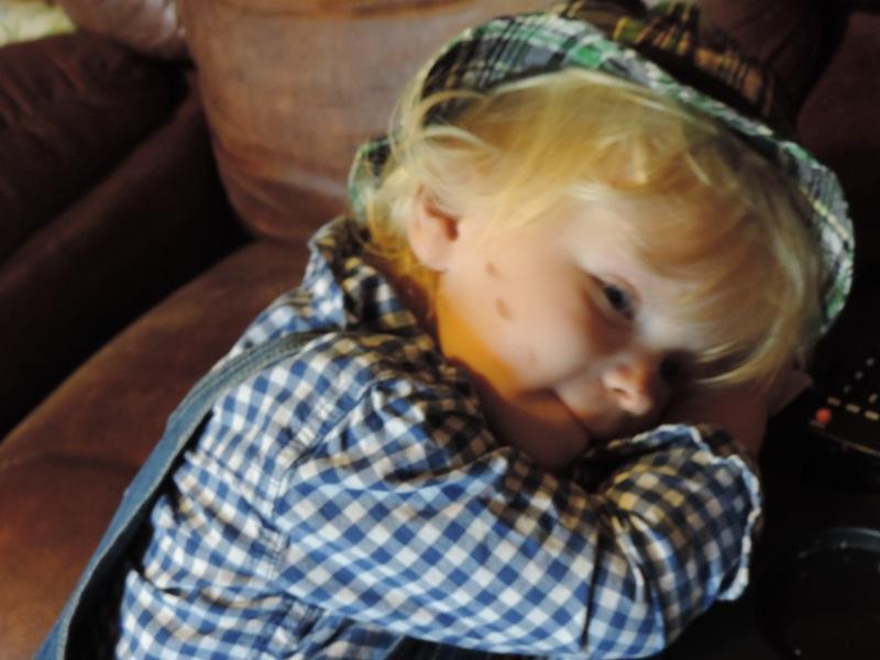 shy scarecrow.JPG