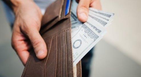 1. Frugal people have an emergency fund..jpg