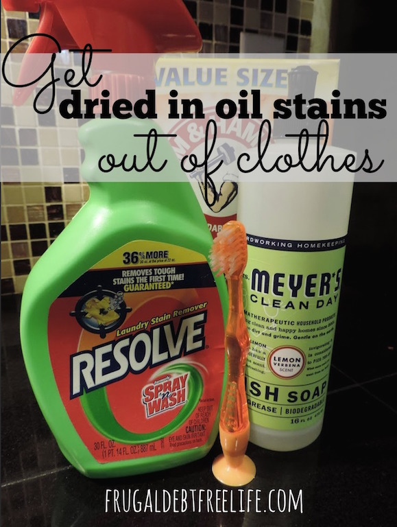 How to get set in oil stains out of your clothes (using things you already have at home!) 1.jpg