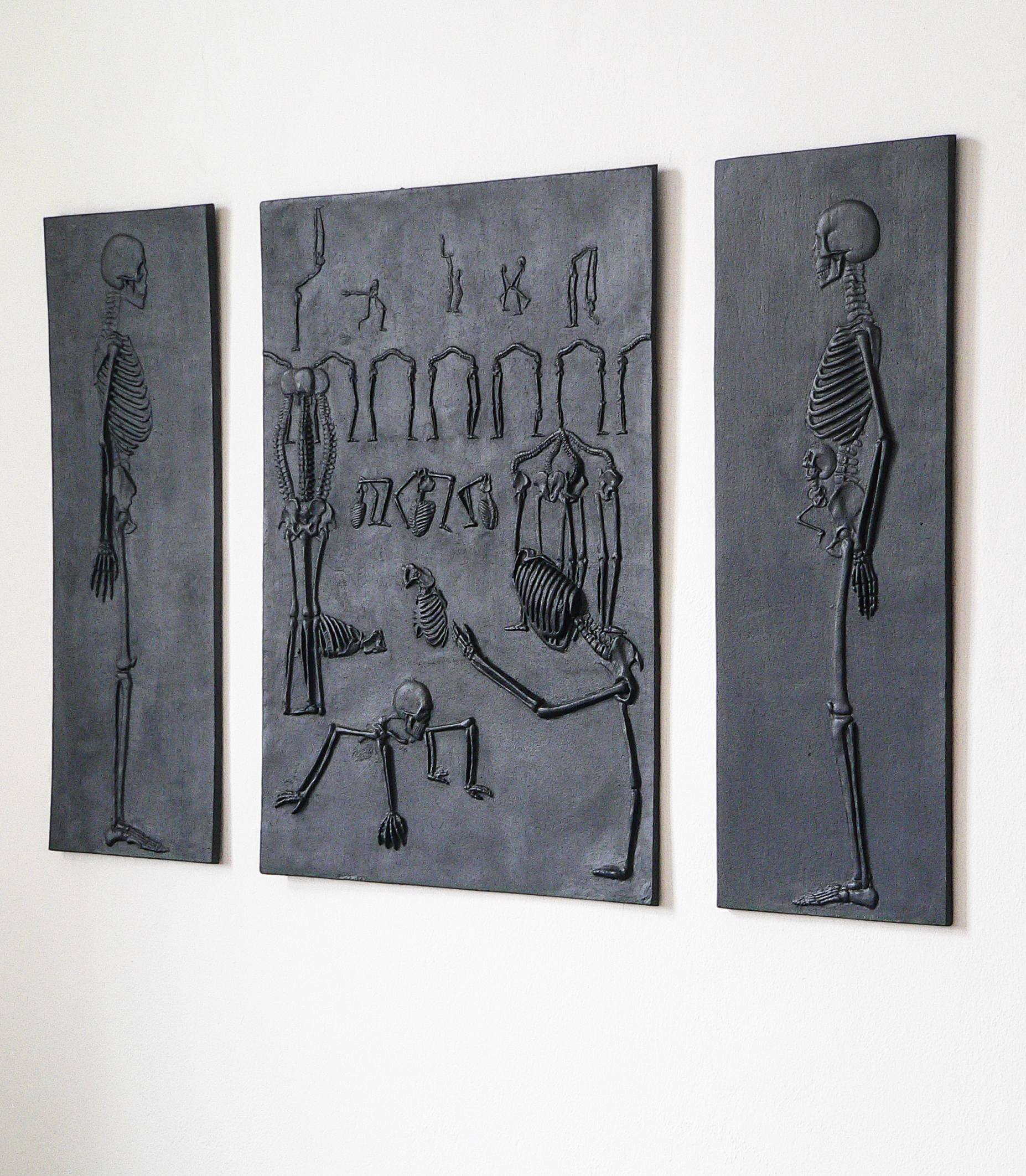 Skeletal relief , cast-iron, 2011-3 @Monika Horčicová