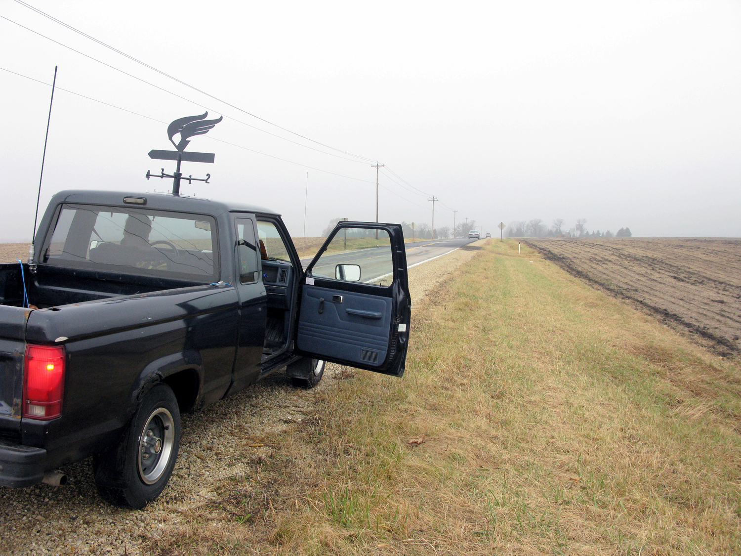 Blue Rider , 1986 Ford Ranger truck and weathervane, 2010 @Patrick Beaulieu  Photo by Alexis Pernet