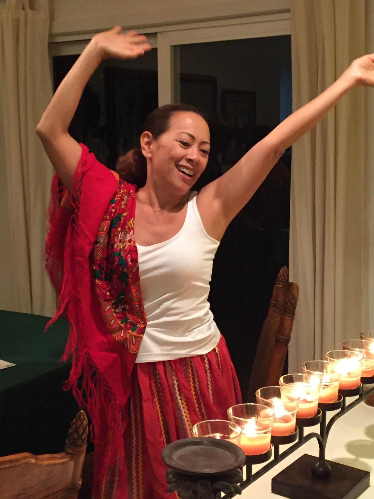Anna celebrates her victory - www.stampedwithaloha.com