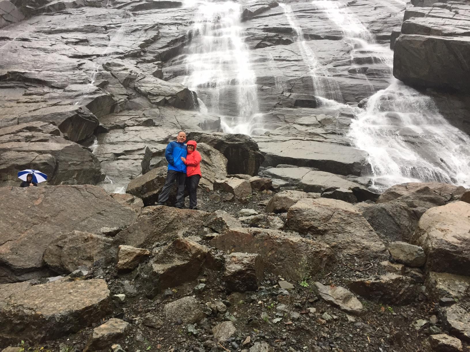 Hiking in Granite Falls - www.stampedwithaloha.com