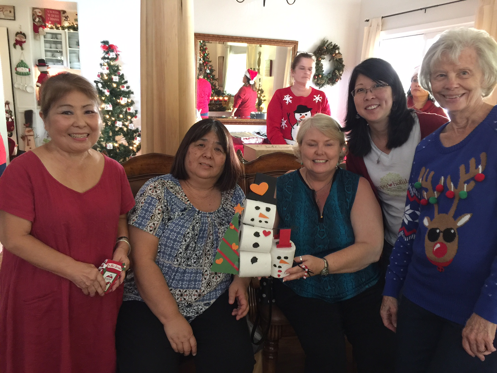 Jodi's group and their snow family - www.stampedwithaloha.com